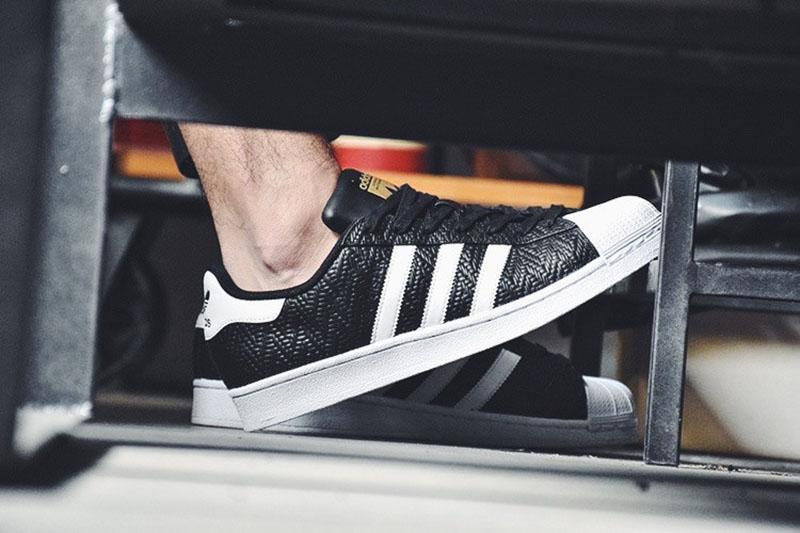 三叶草Adidas superstar贝壳头经典板鞋幸运格黑白  黑色 图片2