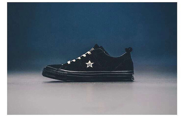 "MADNESS x Converse One Star 三星标硫化板鞋 Suede Leather""黑色"""