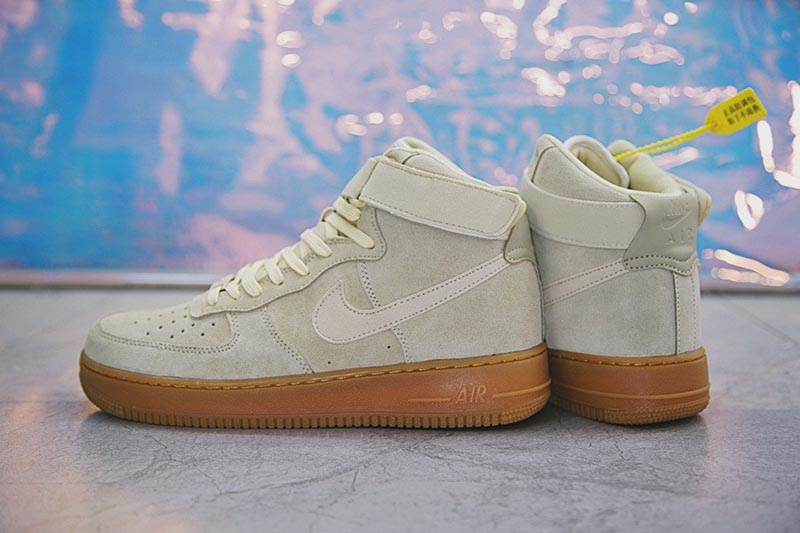 Nike Air Force 1 High '07 LV8 Suede空军一号经