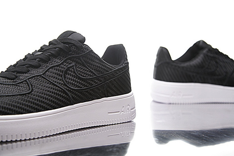Nike Air Force  Ultraforce  low  LV8  空军一号纤维面  黑白